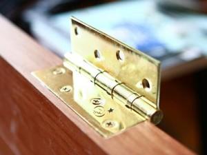 kak smazat dvernie petli ne snimaya dver kakie petli luchshe stavit na mezhkomnatnie dveri