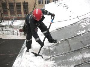 uslugi po ochistke visotok ot snega i lda