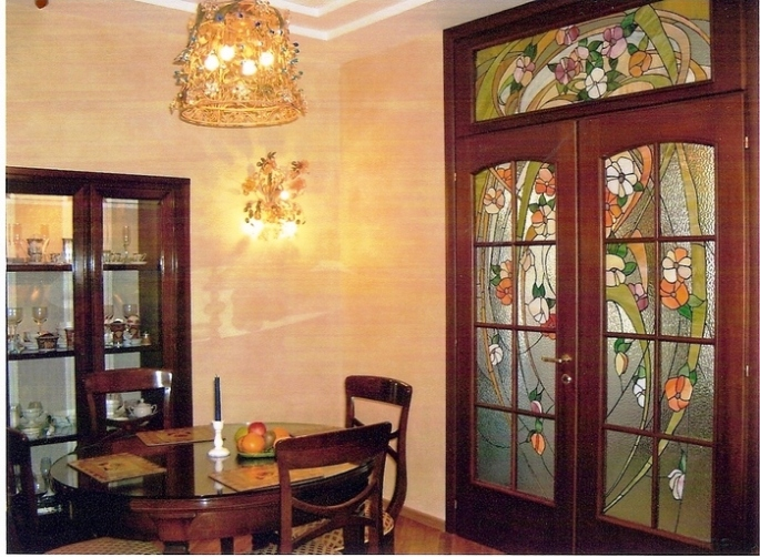 Витражи - настоящее украшение интерьера
