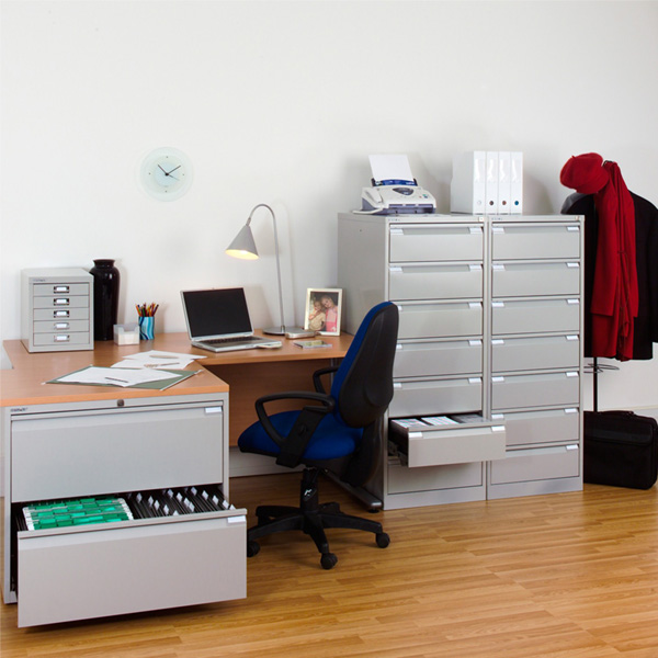 Металлические офисные шкафы для документов