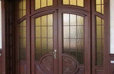 Распашные входные двери