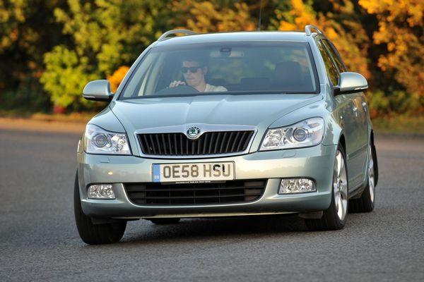 preimushhestvo avtomobilja shkoda oktavija 1